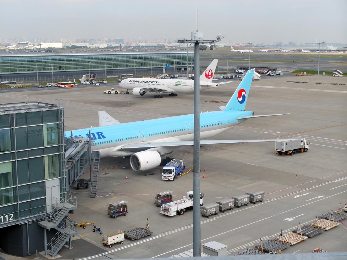 Перрон у международного терминала 1 аэропорта Токио Ханеда