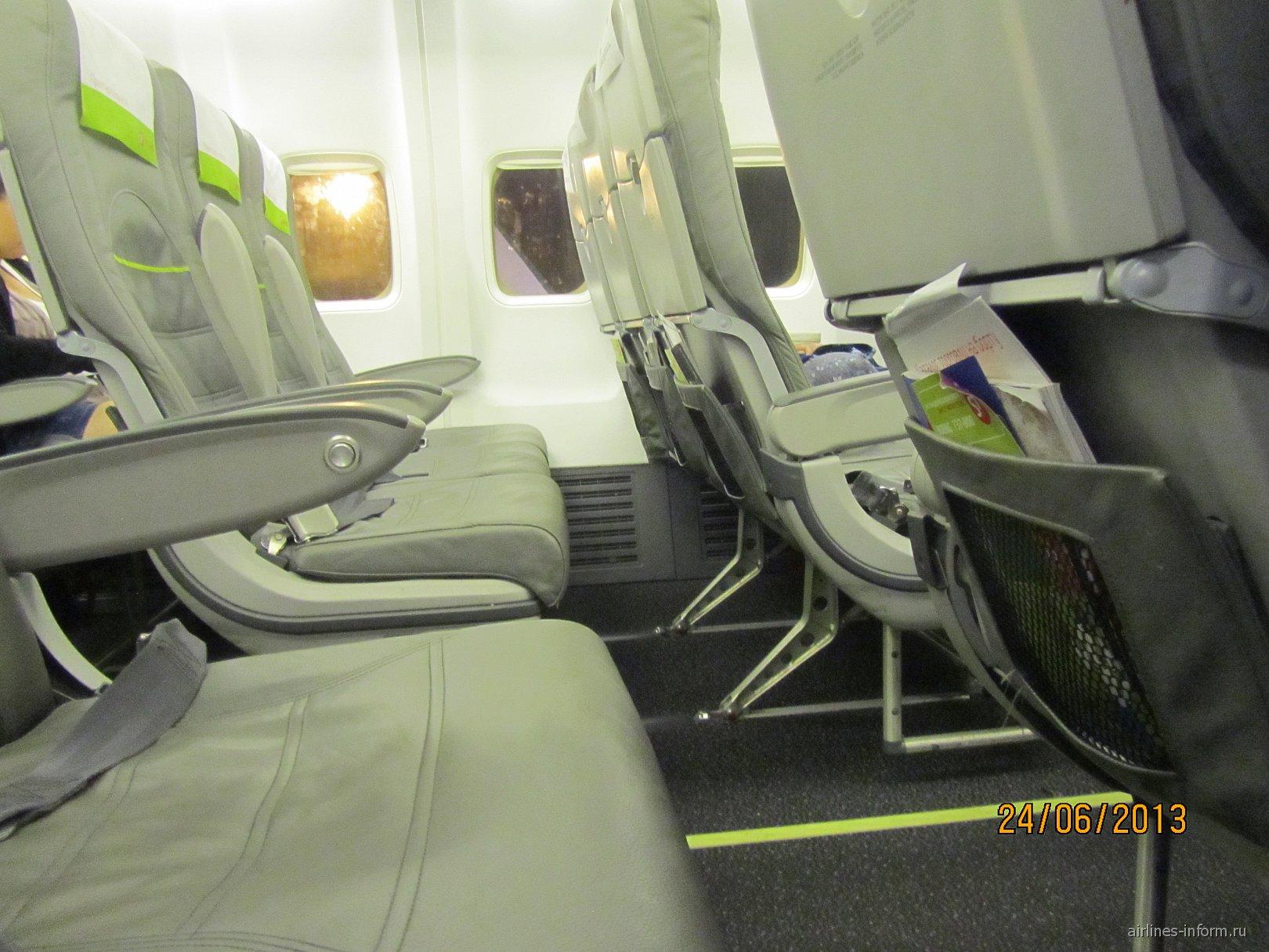 Салон самолета Боинг-737-800 S7 Airlines