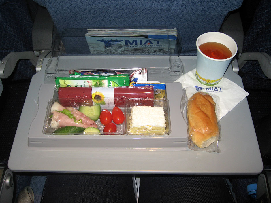 Meal on tne MIAT flight Moscow-Berlin