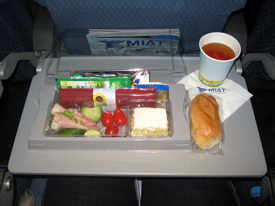 Meal on tne MIAT flight Moscow-Berlin