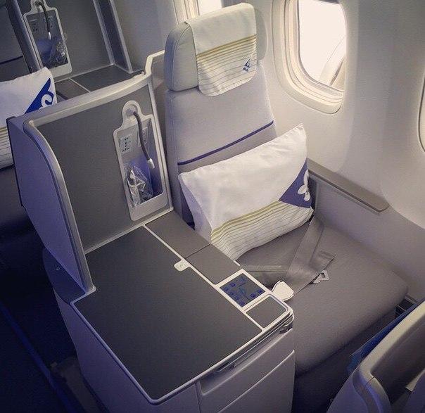 Бизнес-класс в самолете Боинг-767-300 авиакомпании Air Astana