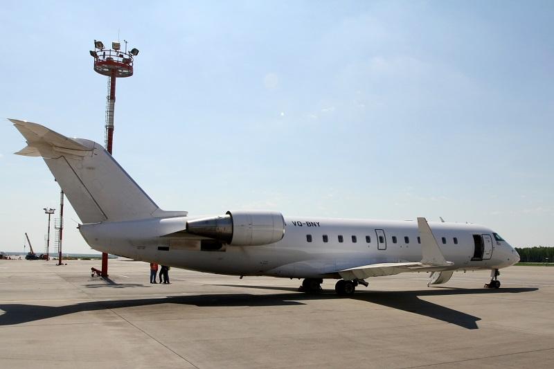 Самолет Bombardier CRJ100 авиакомпании РусЛайн