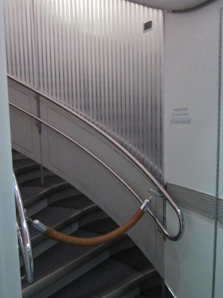 Лестница в самолете Эрбас А-380