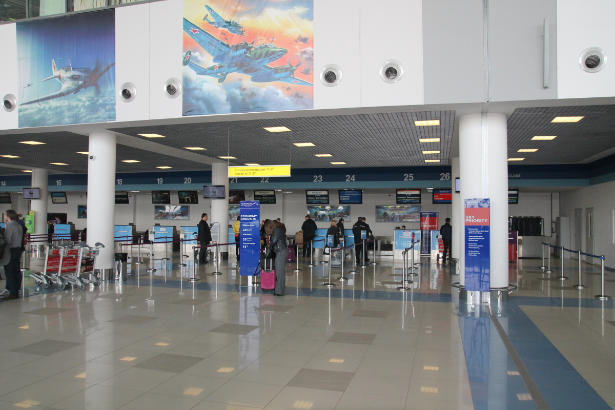 Стойки регистрации пассажиров в аэропорту Владивостока