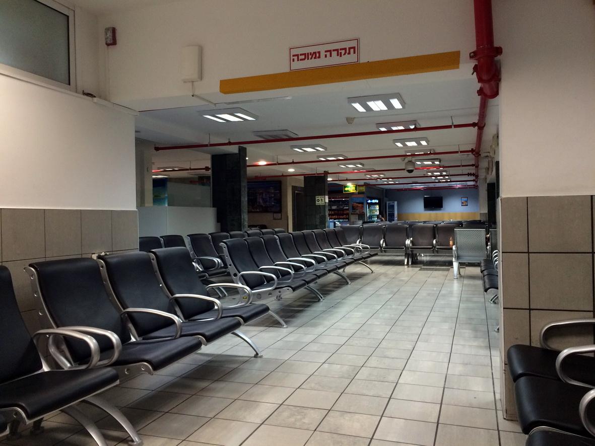 Зал ожидания в аэропорту Эйлат