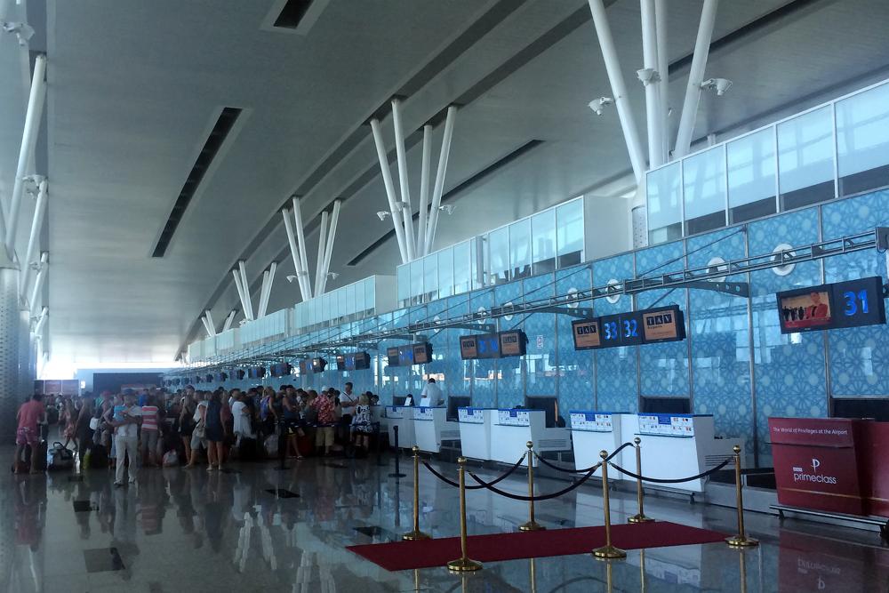 Стойки регистрации в аэропорту Энфида-Хаммамет