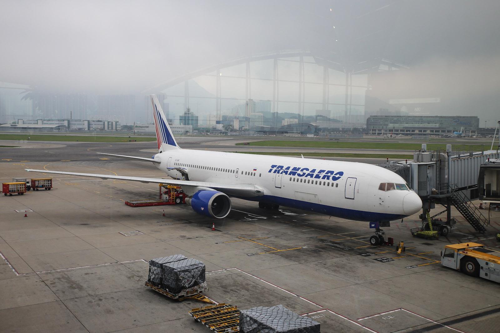 Боинг-767-300 Трансаэро в аэропорту Гонконга