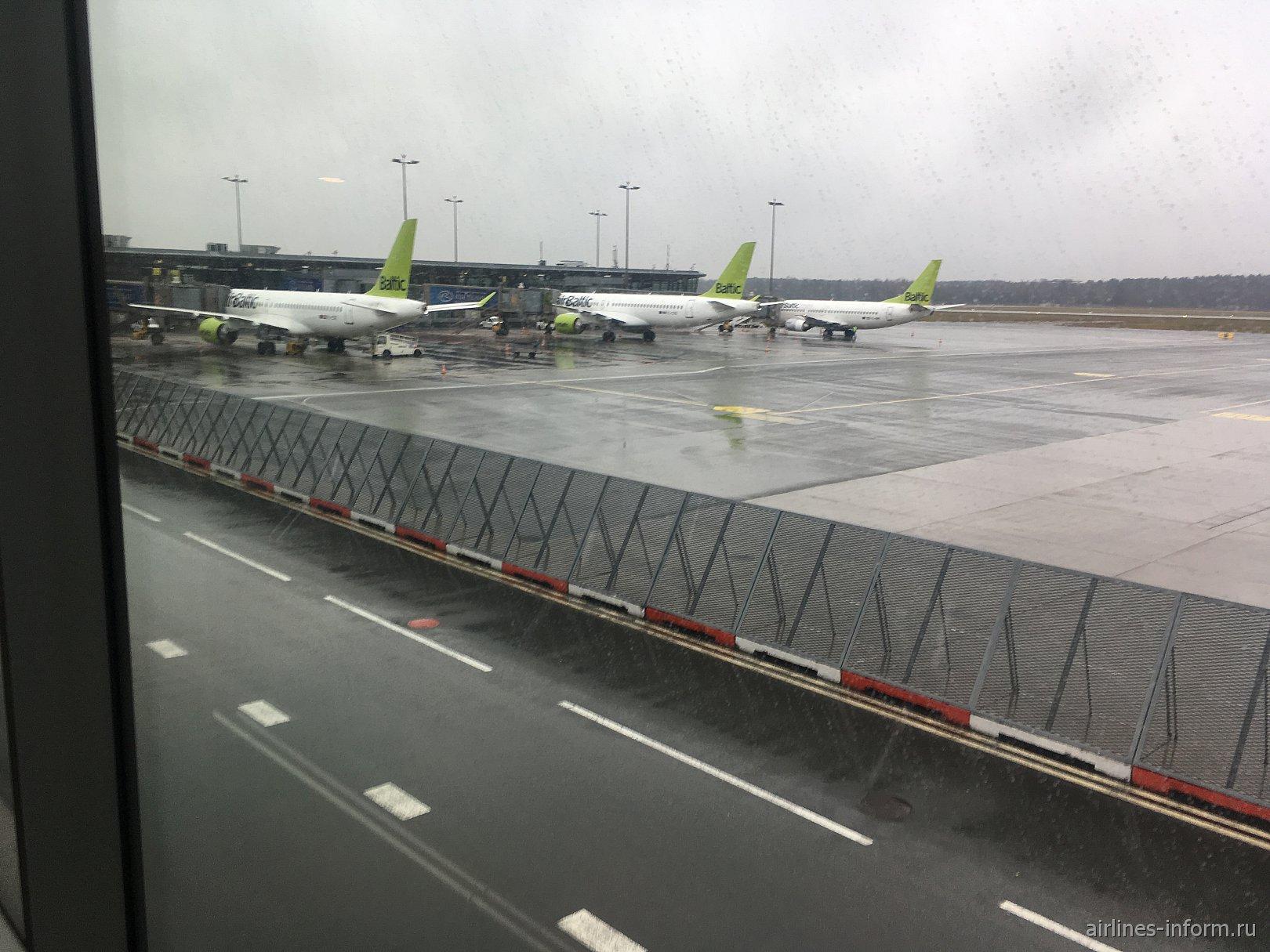 Путешествие в Лапландию часть 2 -  Рига (RIX) - Хельсинки (HEL) c Air Baltic на Б737-300 (YL-BBS) + предрождественский Хельсинки