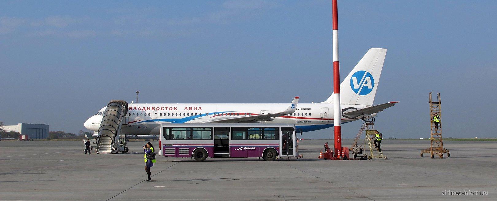 Airbus A320 Владивосток Авиа в аэропорту Владивостока