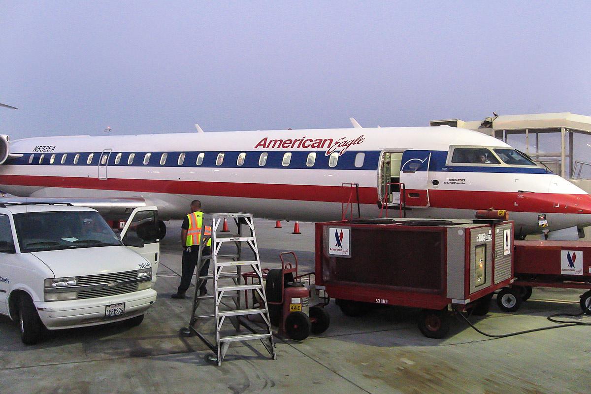 Bombardier CRJ700 авиакомпании American Eagle