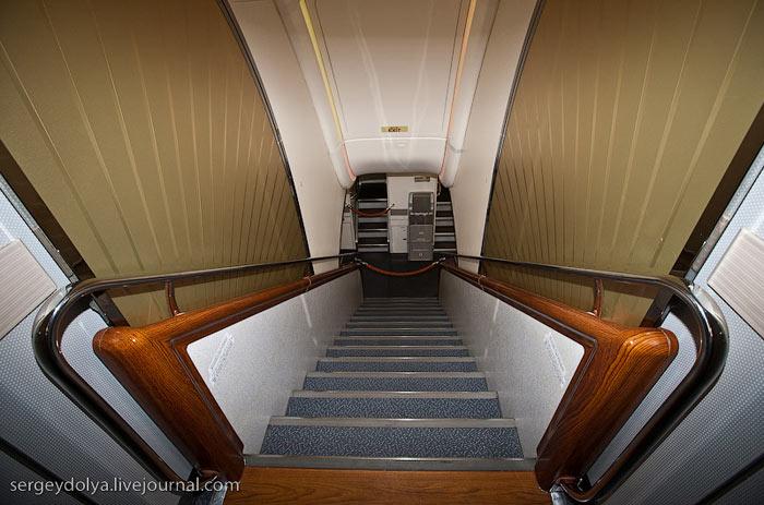 Лестница в Airbus A380 Emirates