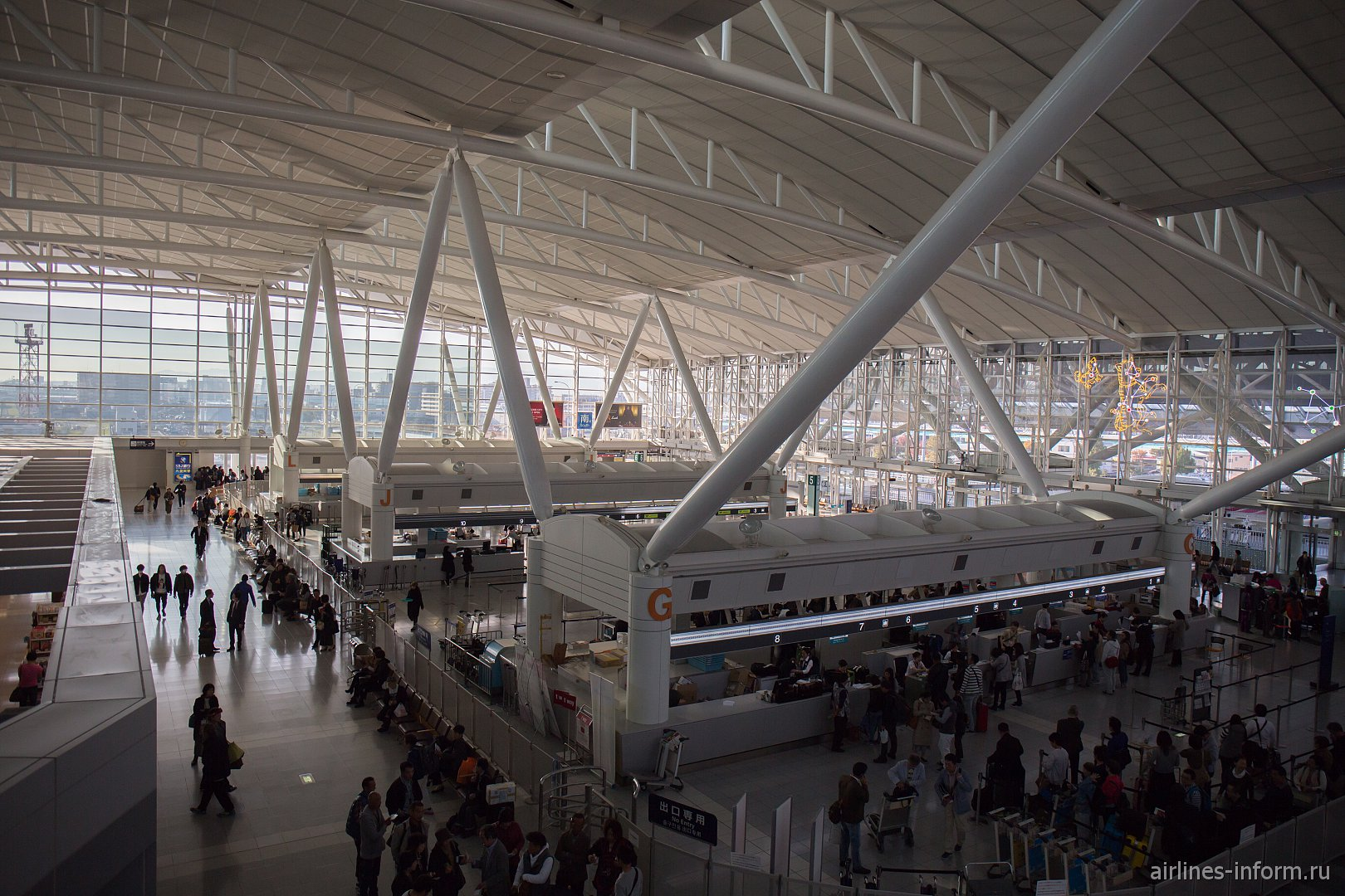 Южное крыло зоны вылета аэропорта Фукуока