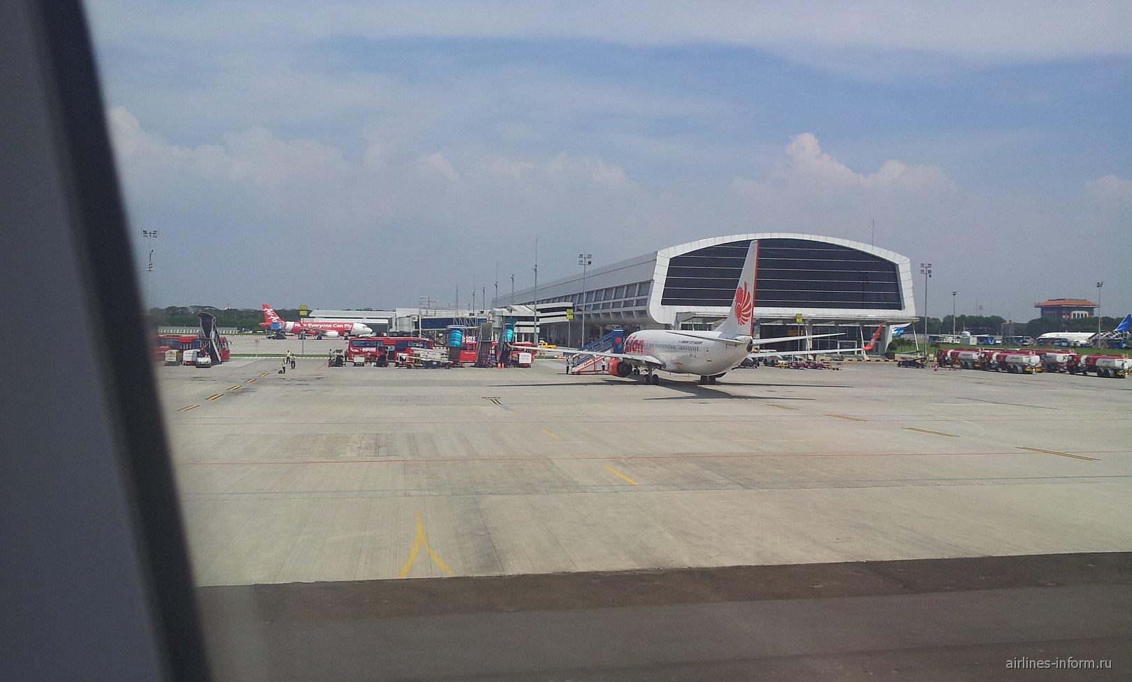 Бюджетный терминал аэропорта Джакарта Сукарно-Хатта