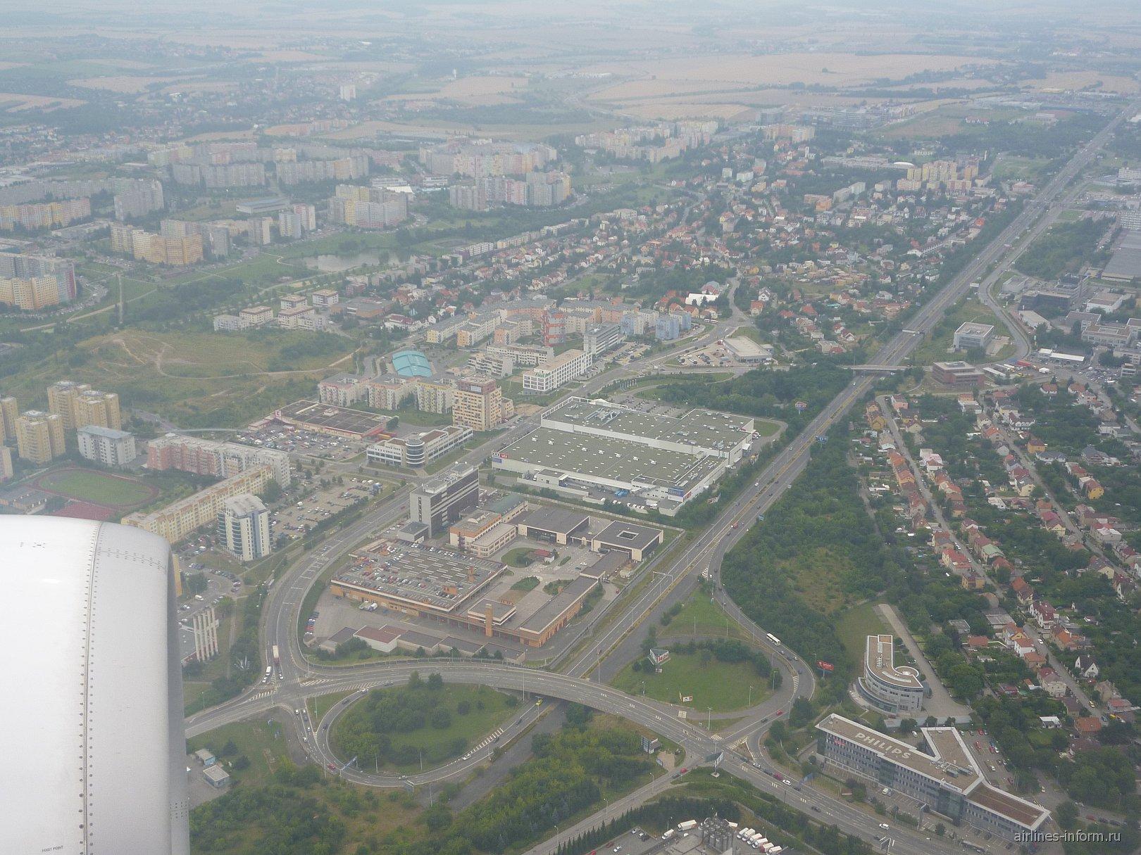 Окраины Праги перед посадкой в аэропорту Вацлава Гавела