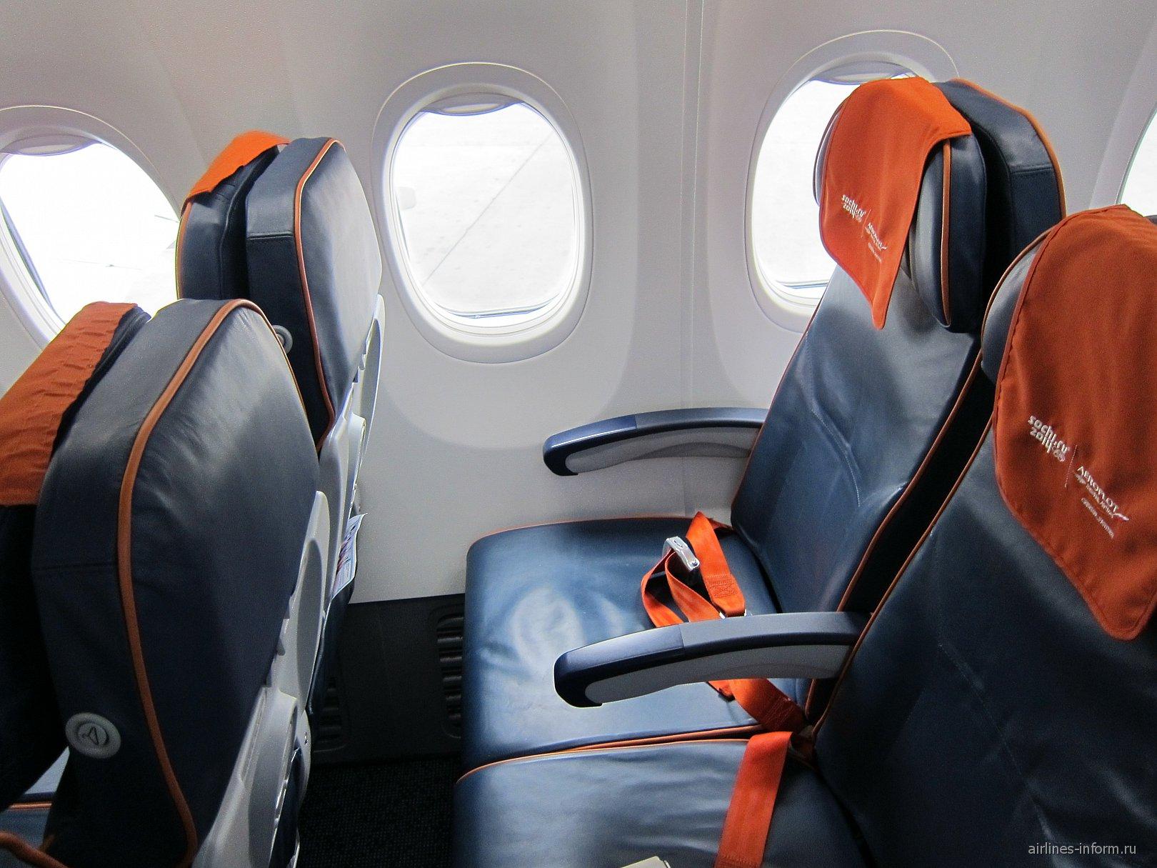 """Пассажирские кресла эконом-класса в самолете Боинг-737-800 авиакомпании """"Аэрофлот"""""""