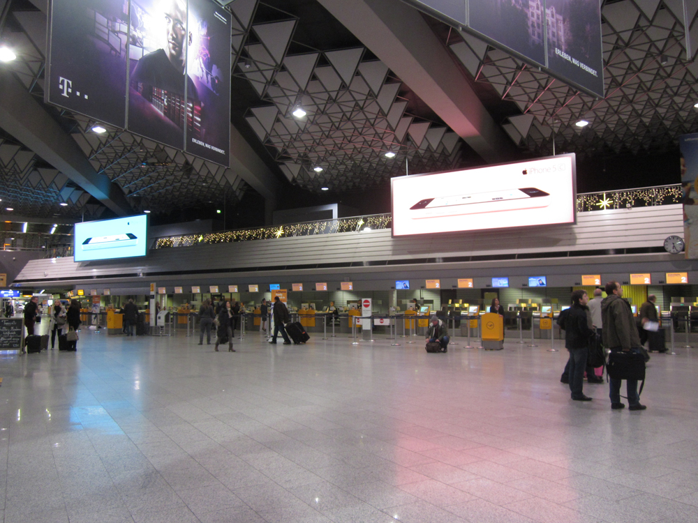 Стойки регистрации в Терминале 1 аэропорта Франкфурт