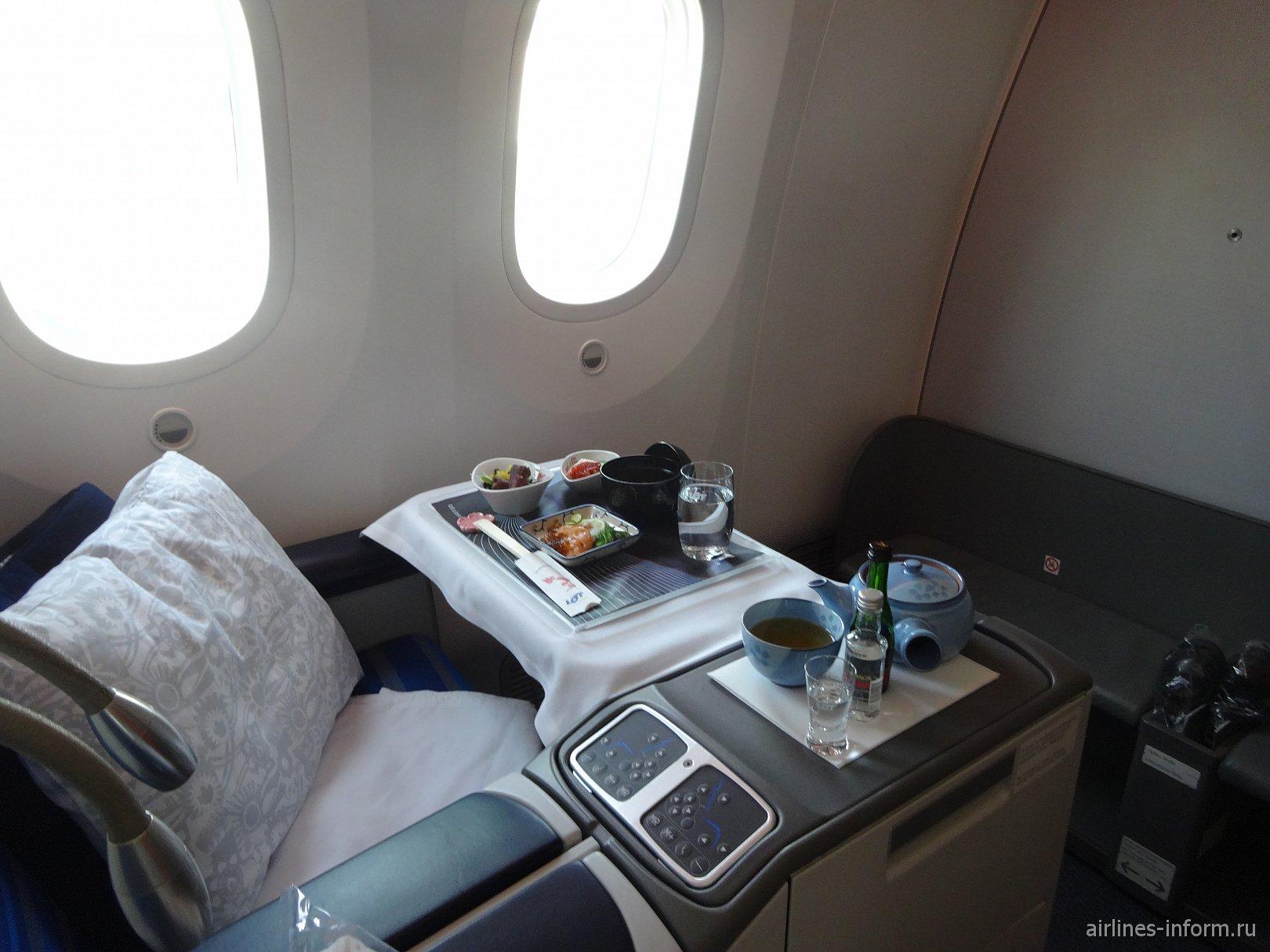 Бизнес-класс в самолете Боинг-787-8 авиакомпании LOT