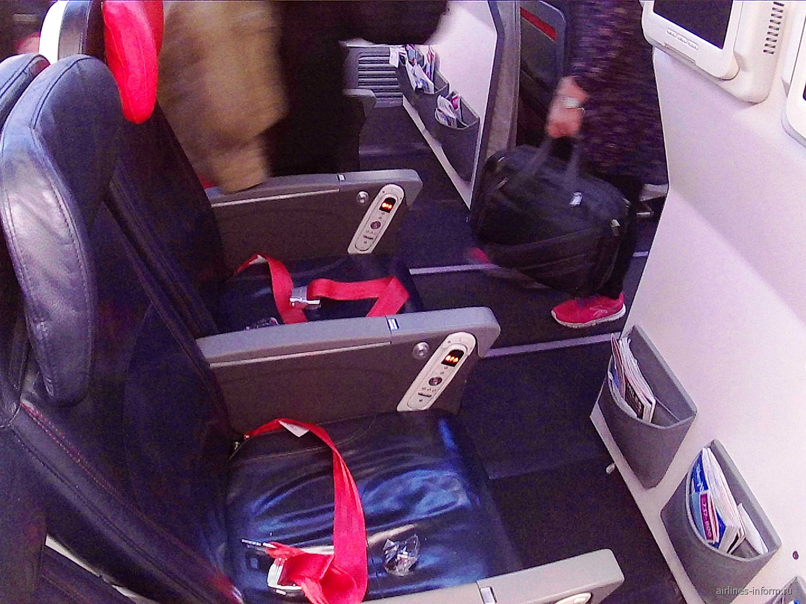 Кресла самолета Боинг-737-800 Турецких авиалиний