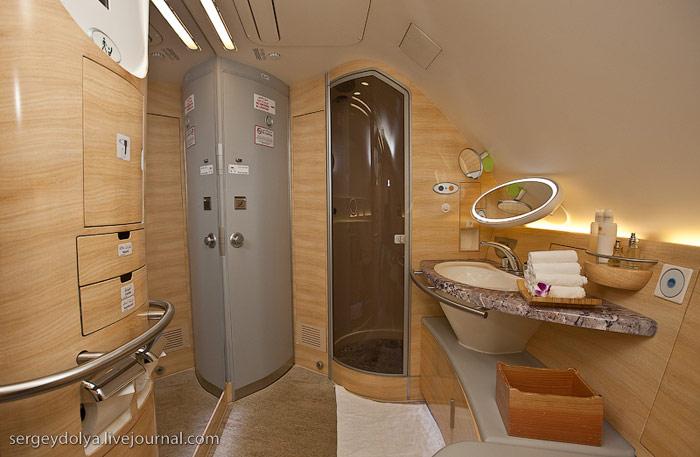 Душевая кабина Airbus A380 Emirates