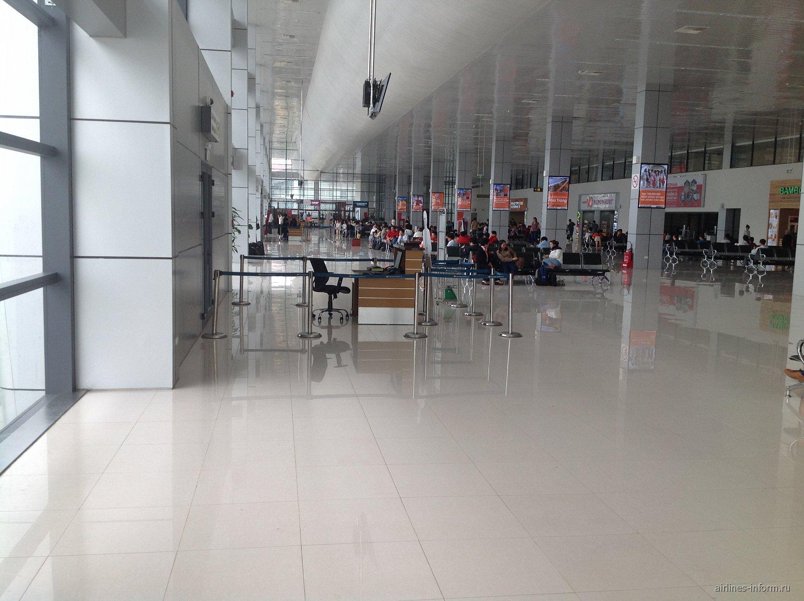 Зал ожидания в аэропорту Ханой Ной Бай