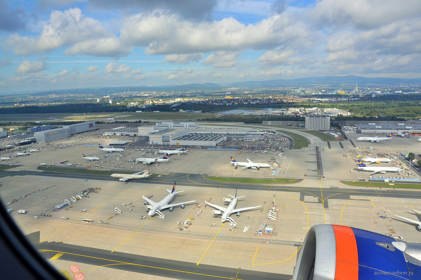 Самолеты на перроне аэропорта Франкфурт
