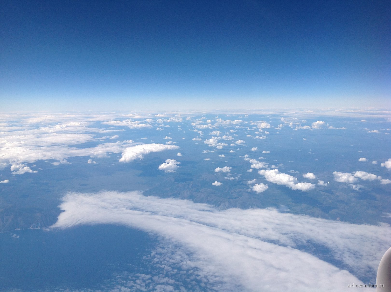 Облака над побережьем Охотского моря