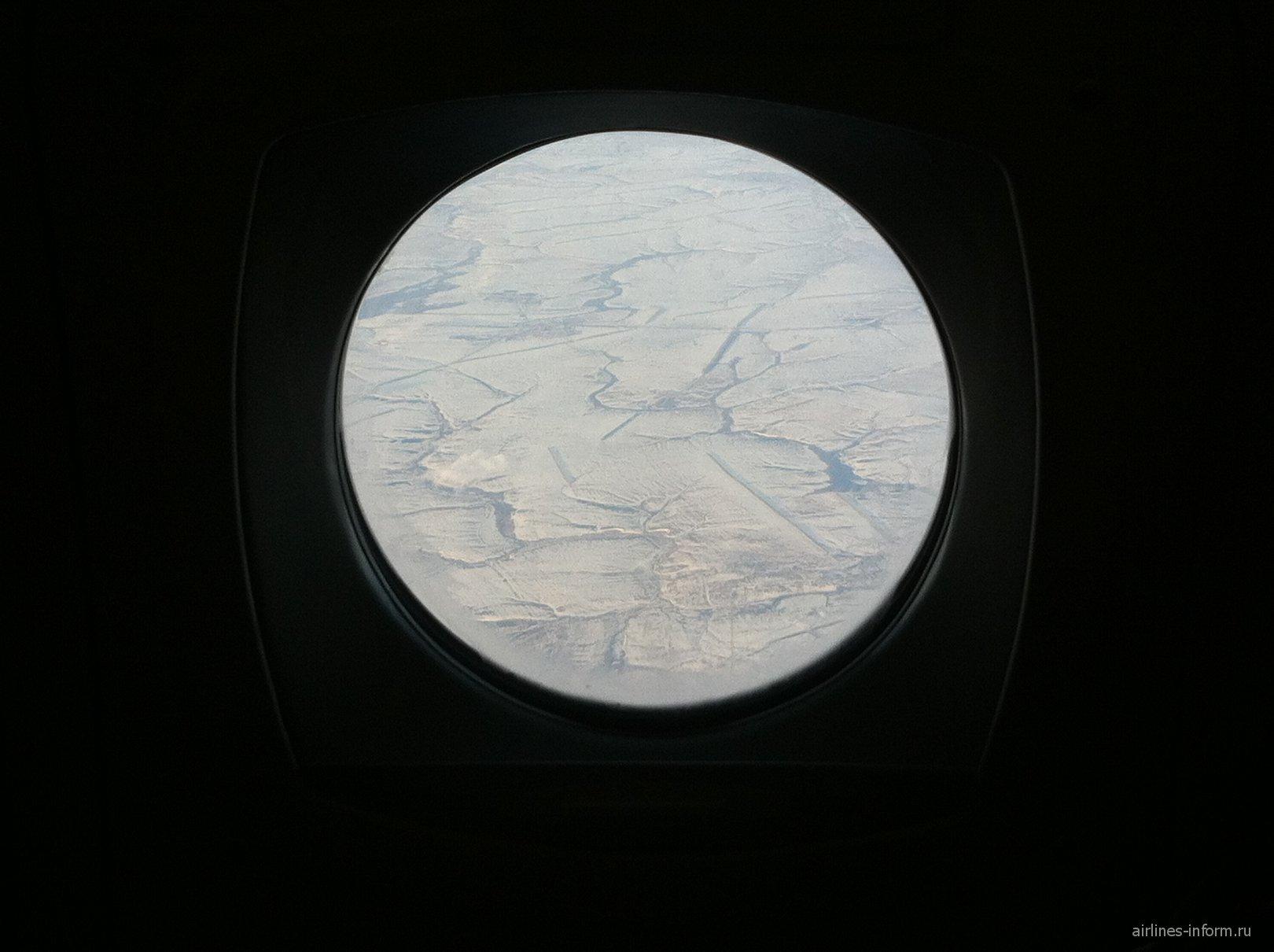 Вид из иллюминатора Як-42