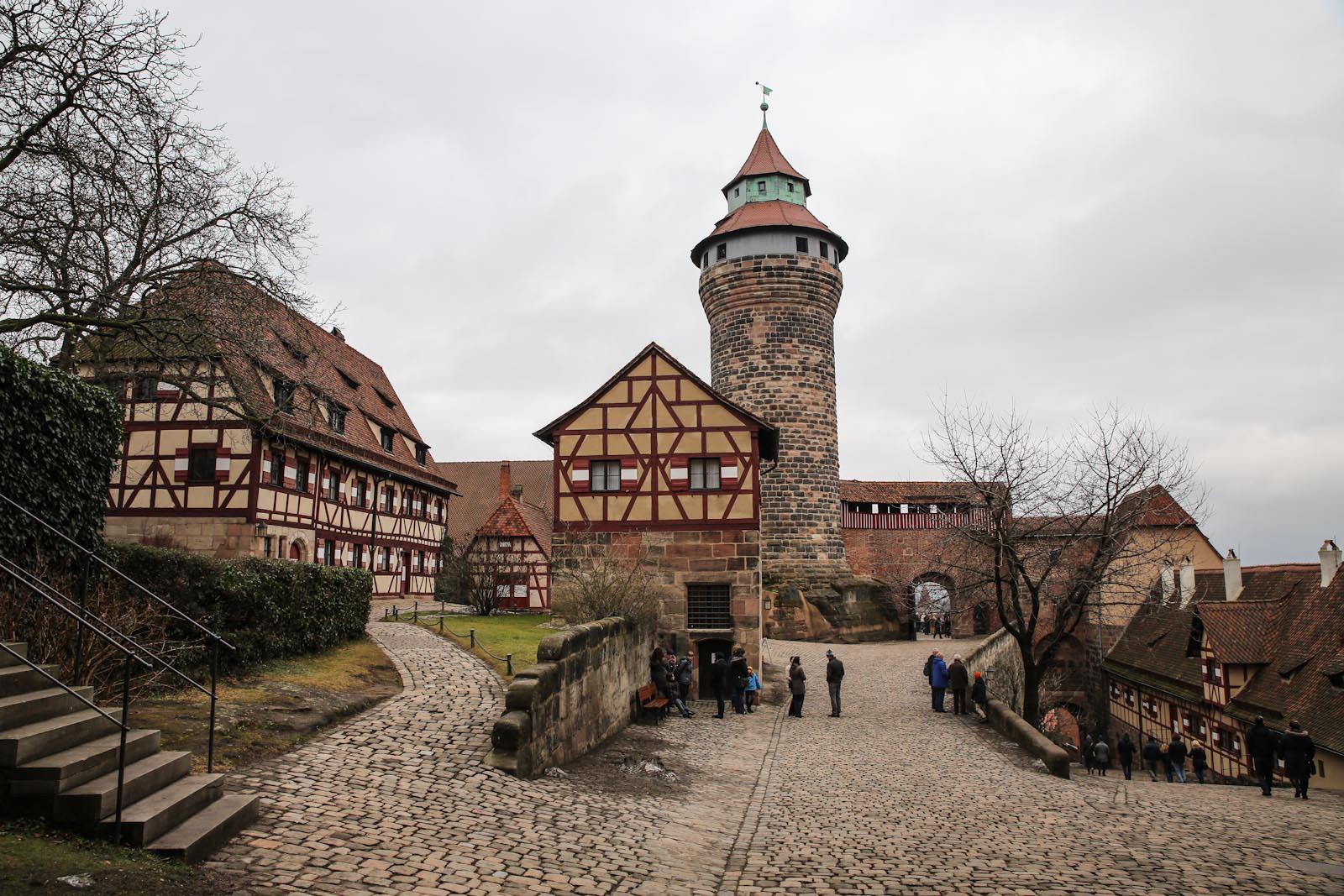 Замок в центре города Нюрнберг