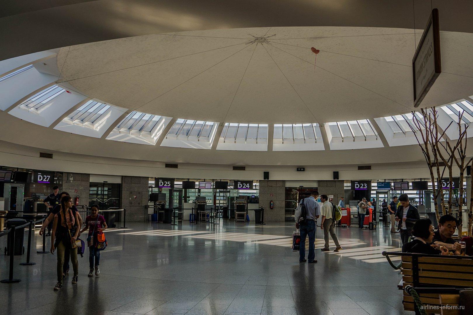 Выходы на посадку в секторе D аэропорта Вена Швехат