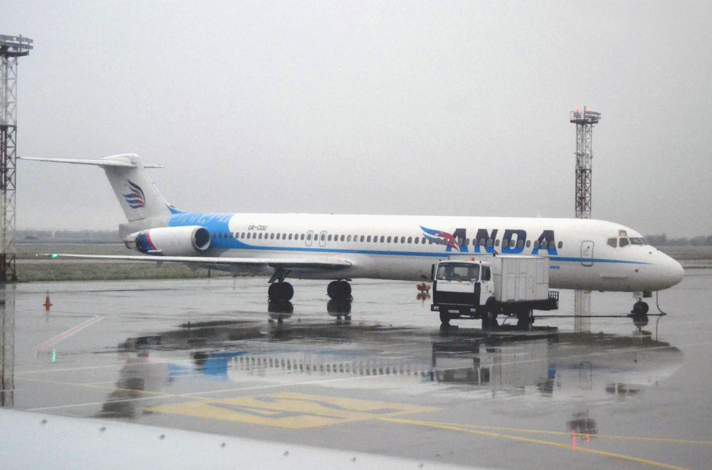 Дуглас MD-83 авиакомпании Anda Air в аэропорту Борисполь