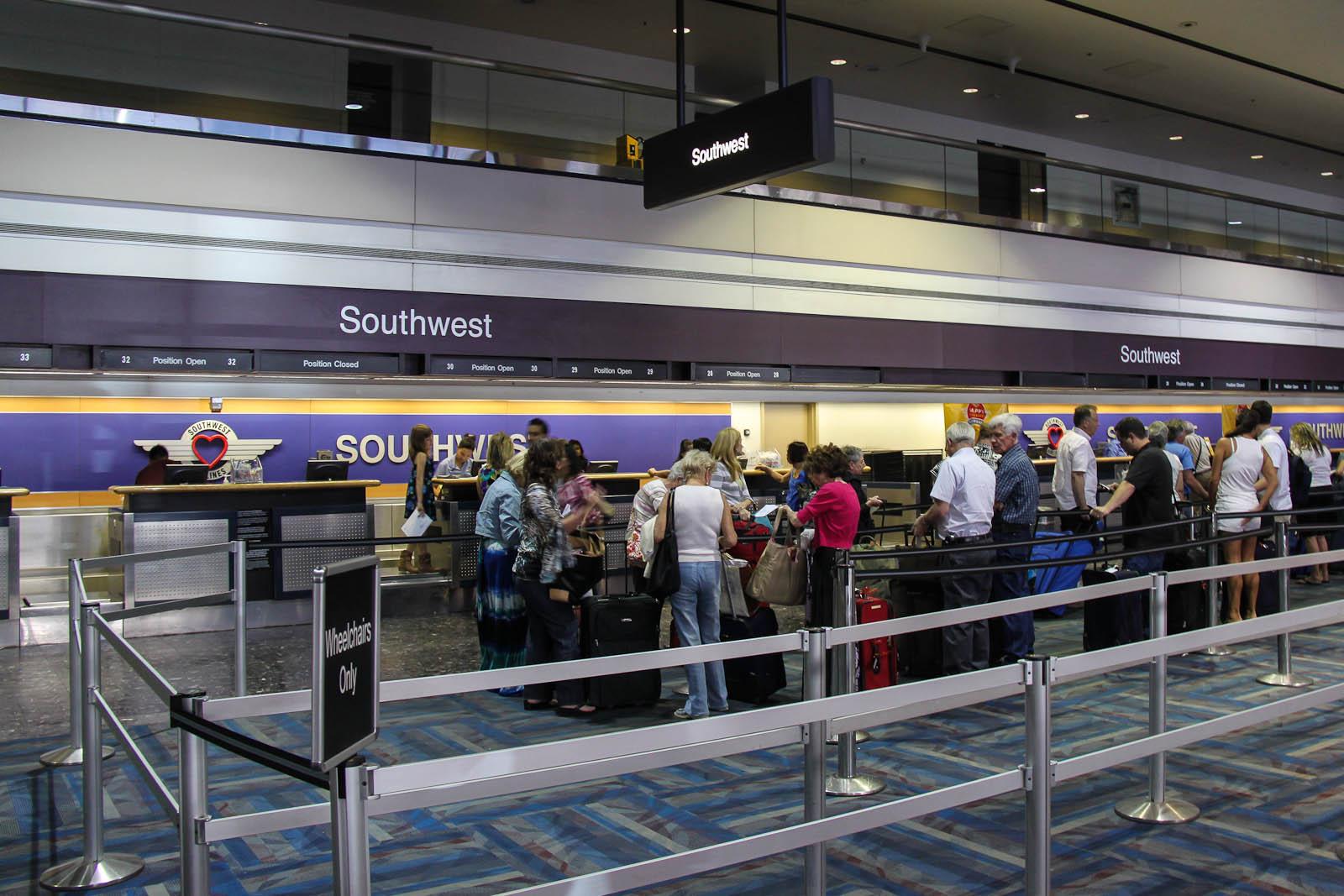 Стойки регистрации Southwest Airlines в Терминале 1 аэропорта Лас-Вегас