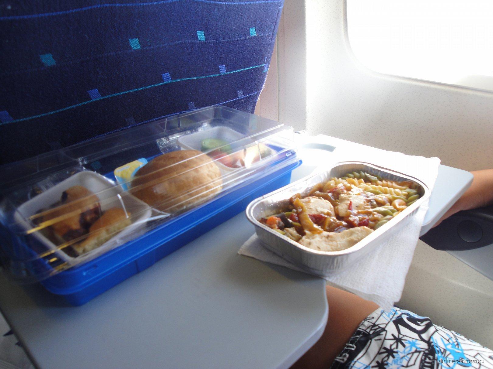 Питание на рейсе авиакомпании Ай Флай Анталия-Красноярск