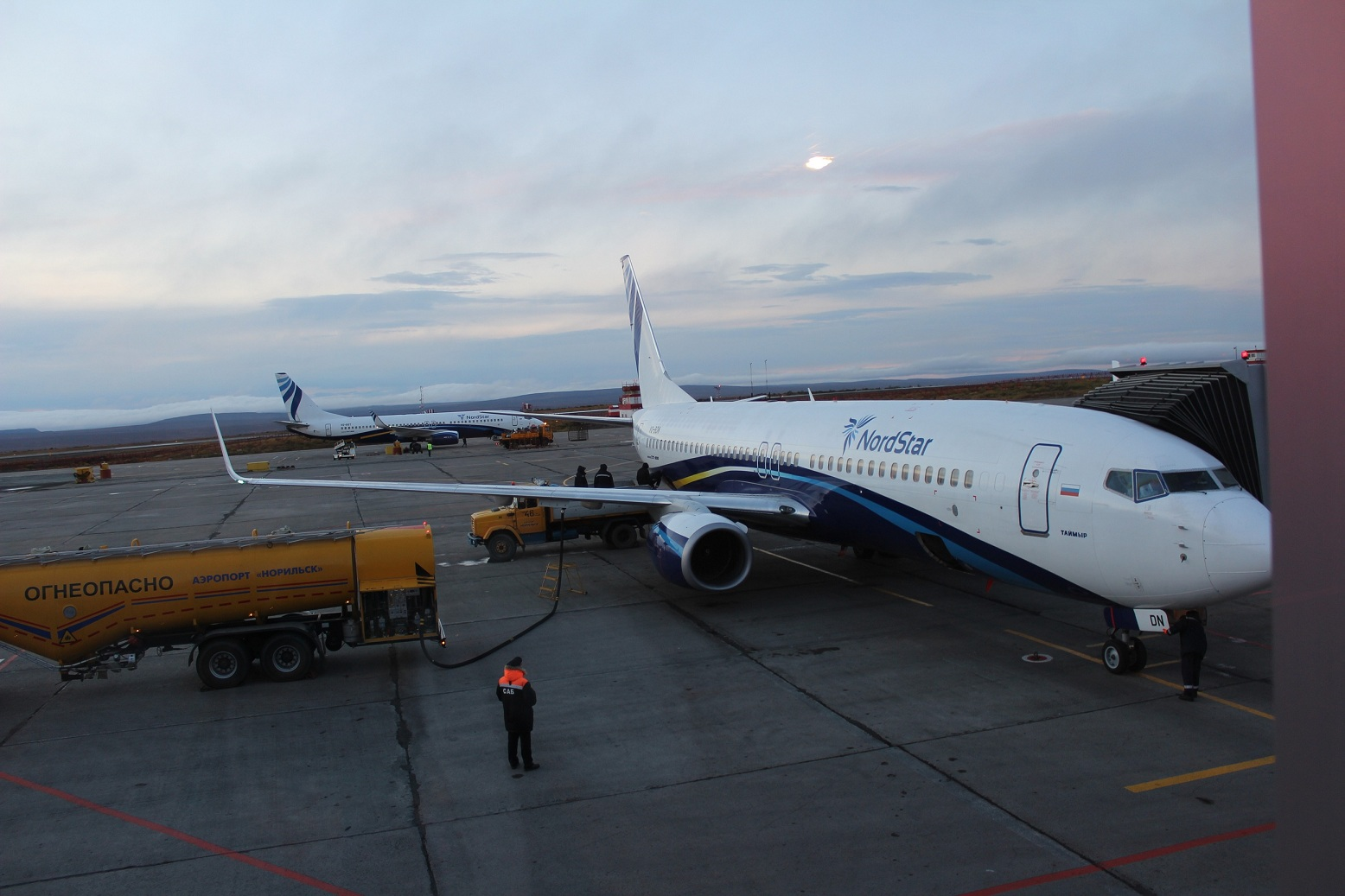 Боинг-737-800 авиакомпании NordStar в аэропорту Норильска
