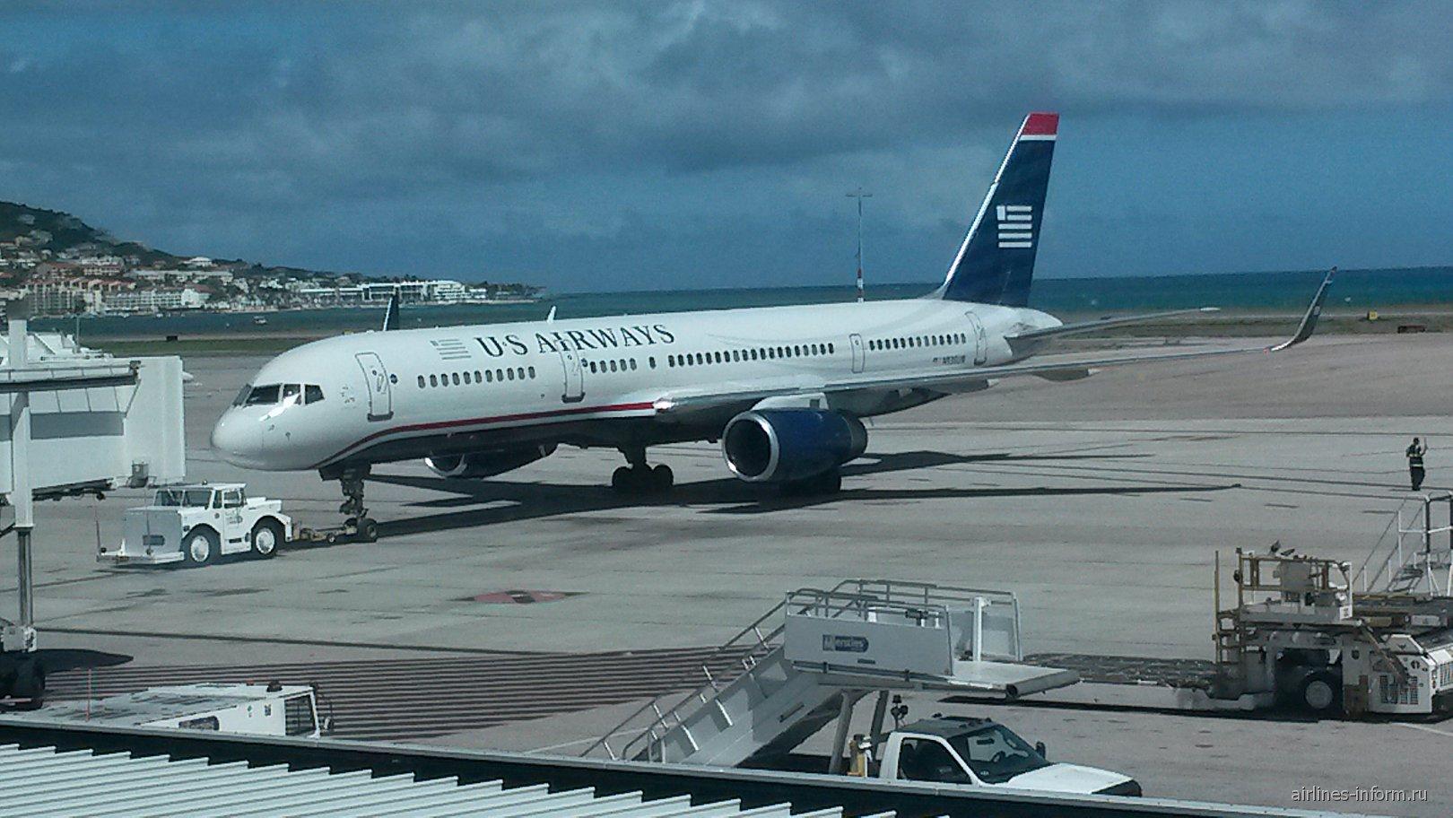 Боинг-757-200 авиакомпании US Airways в аэропорту Сен-Мартен