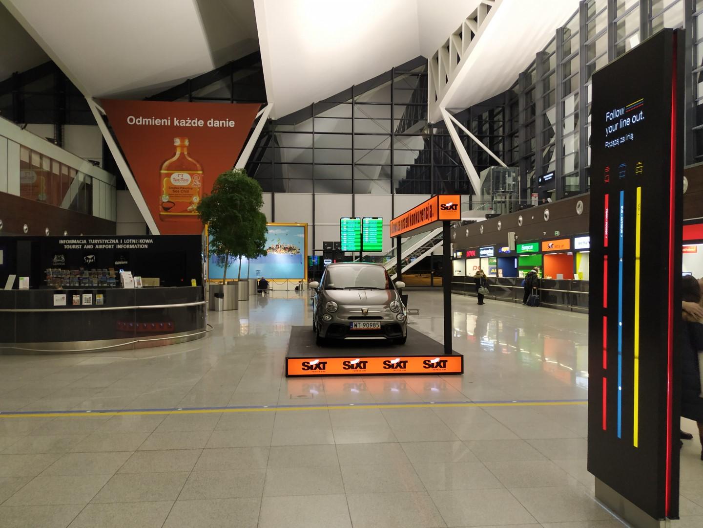 Стойки компаний автопроката в аэропорту Гданьск