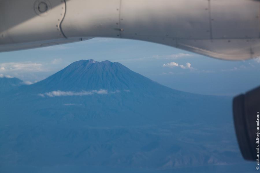 Denpasar-Flores flight