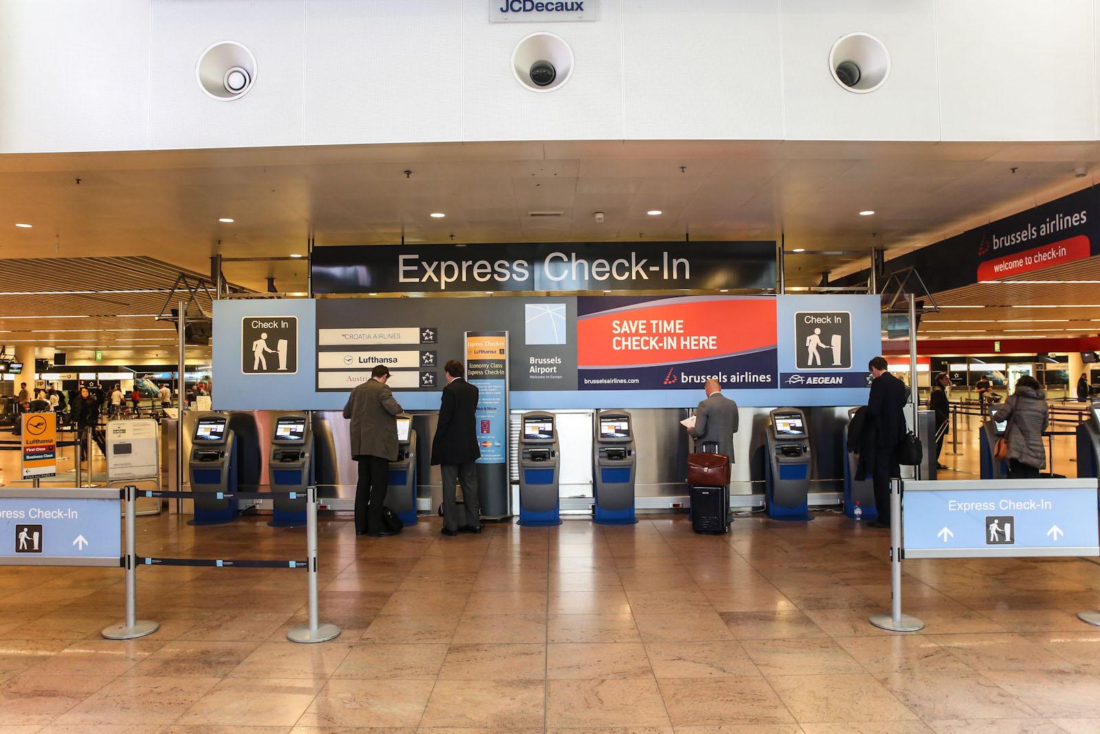 Киоски самостоятельной регистрации в аэропорту Брюссель