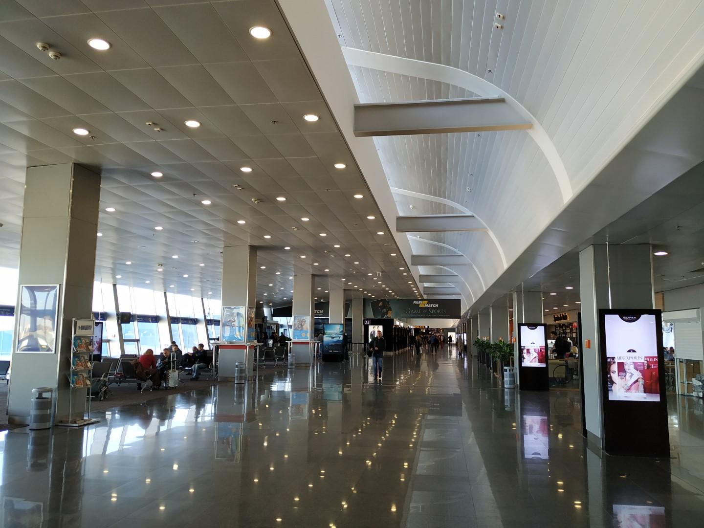 Галерея выходов на посадку в терминале D аэропорта Киев Борисполь