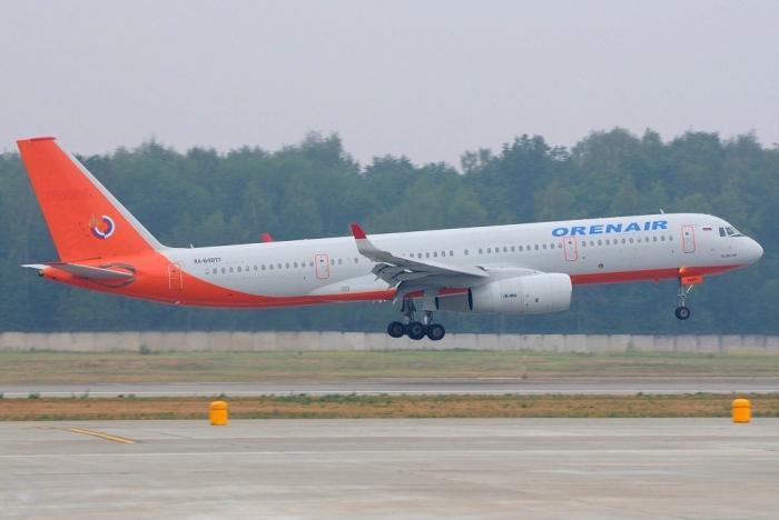 Самолет Ту-204 авиакомпании Orenair