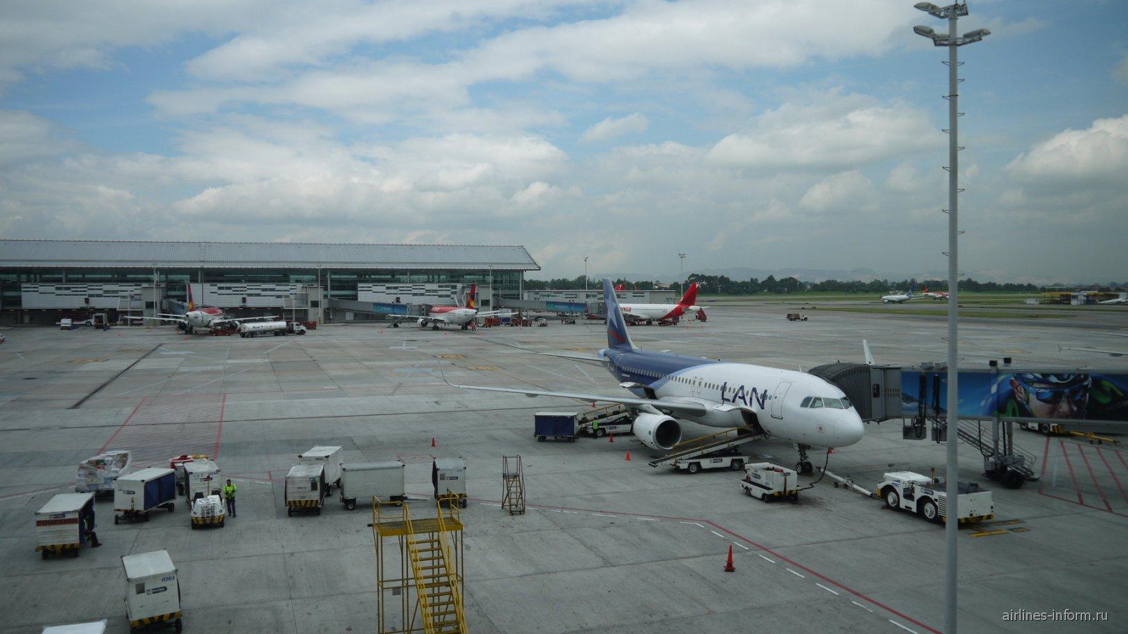 Перрон аэропорта Богота Эльдорадо