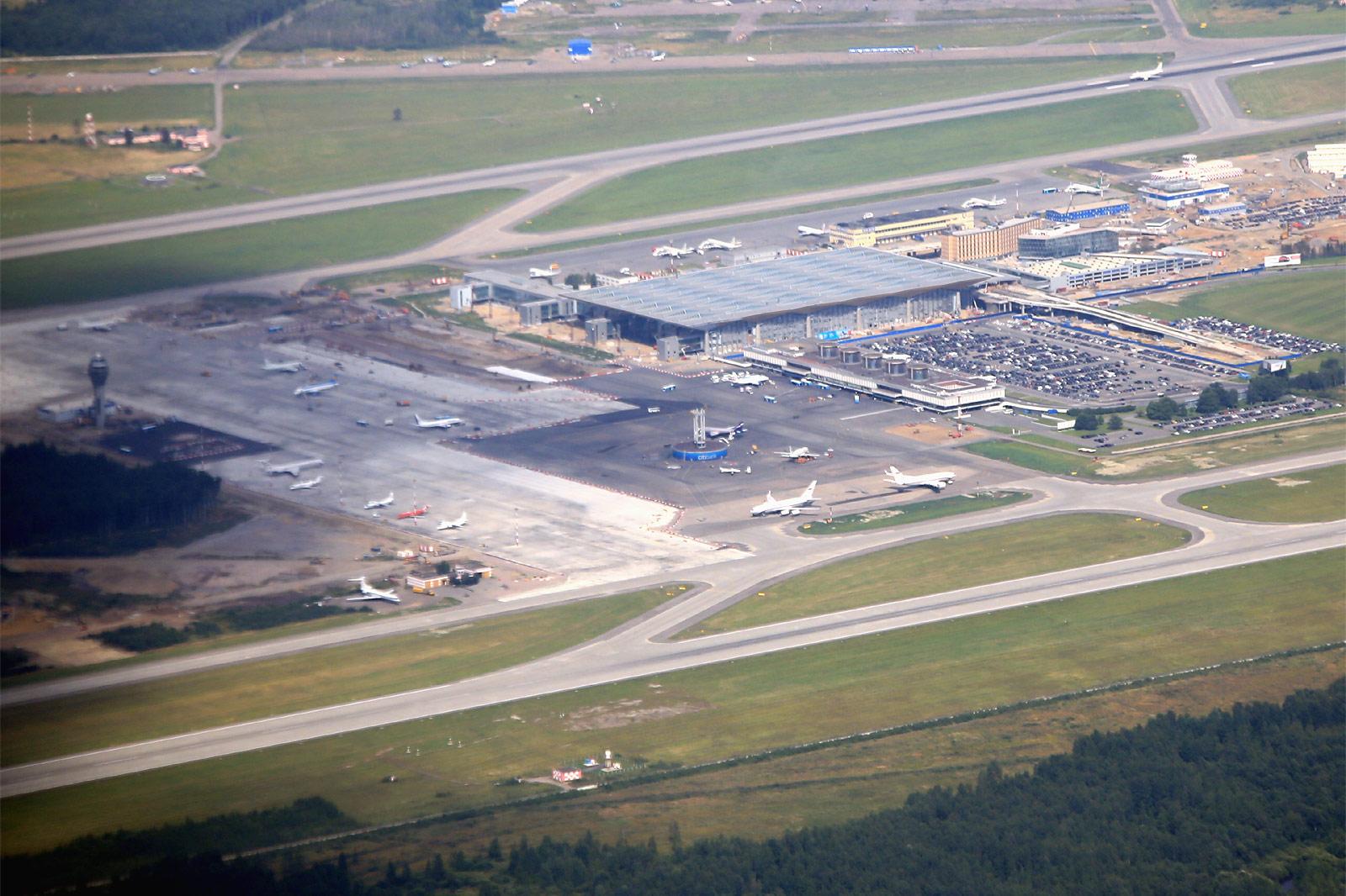 Вид на аэровокзалы Пулково-1