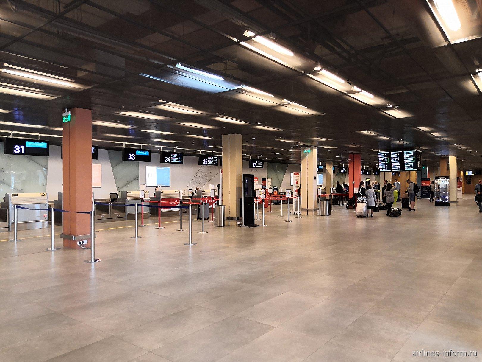 Зона регистрации в терминале А аэропорта Кольцово