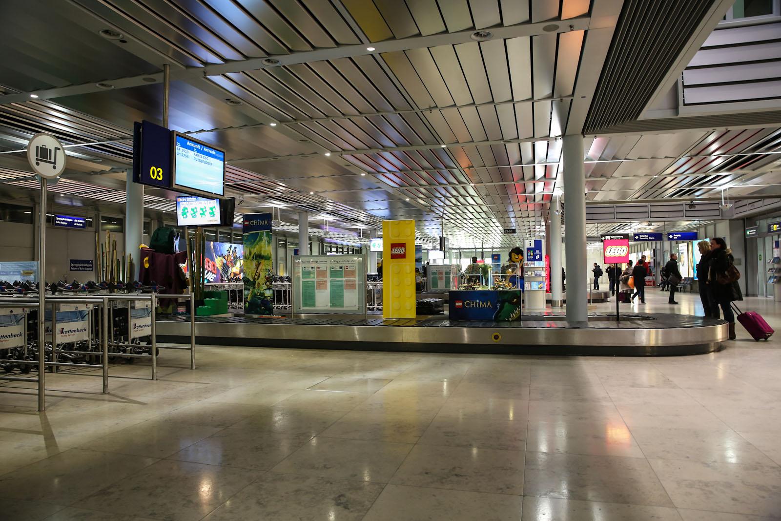 Зал выдачи багажа в аэропорту Нюрнберг
