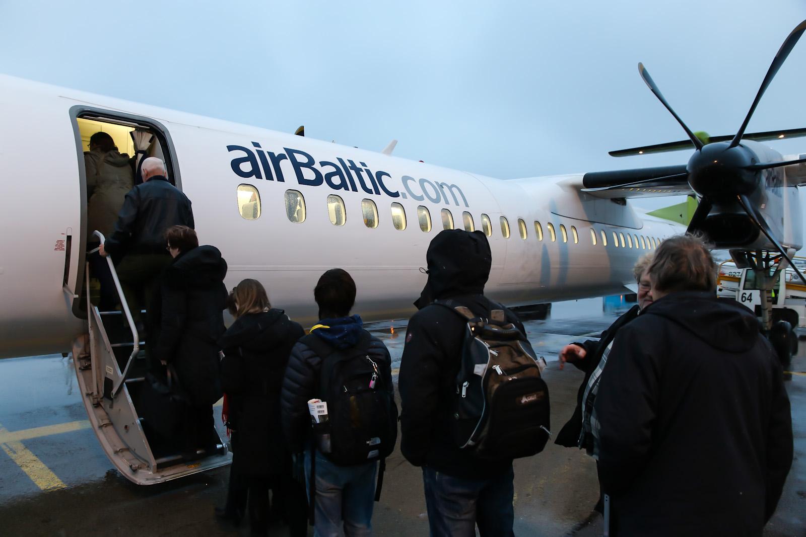 Bombardier Dash 8Q-400 авиакомпании airBaltic в аэропорту Хельсинки