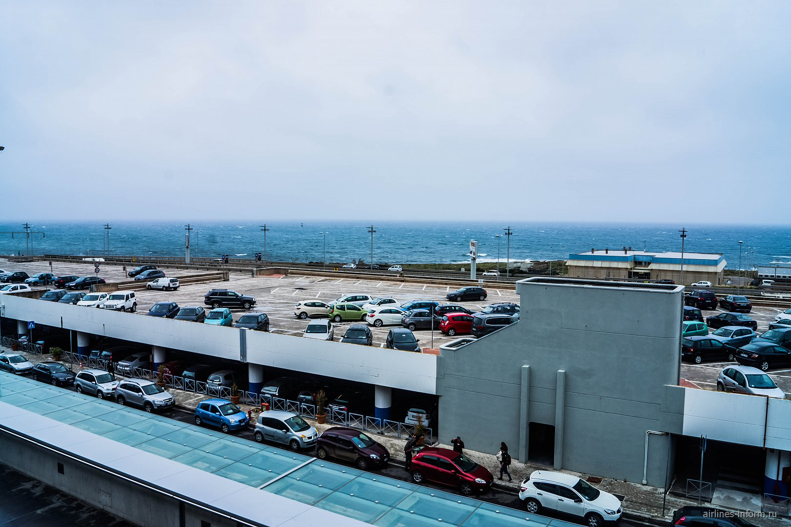 Автомобильный паркинг в аэропорту Палермо