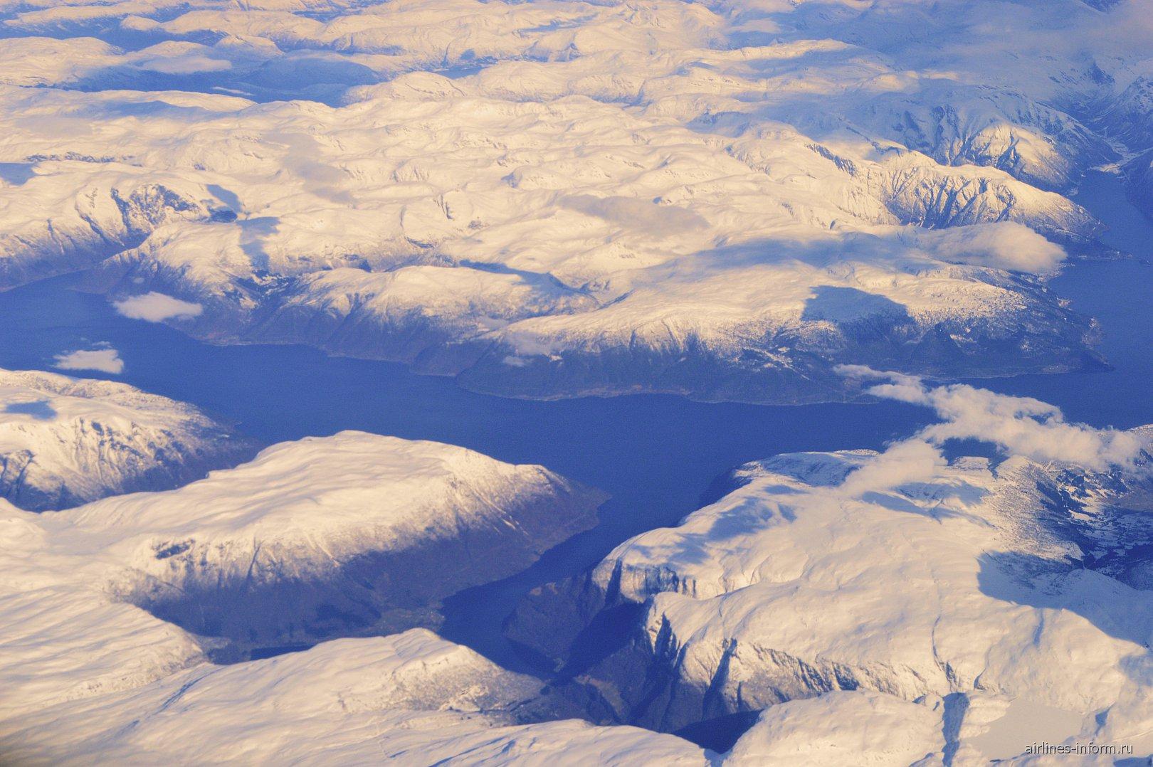 В полете над севером Канады рейсом Москва-Нью-Йорк