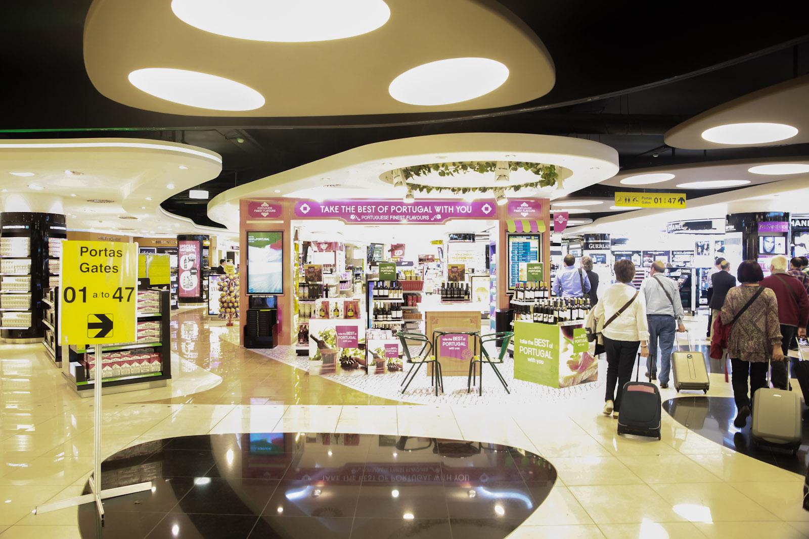 Магазин Duty-Free в аэропорту Лиссабон Портела