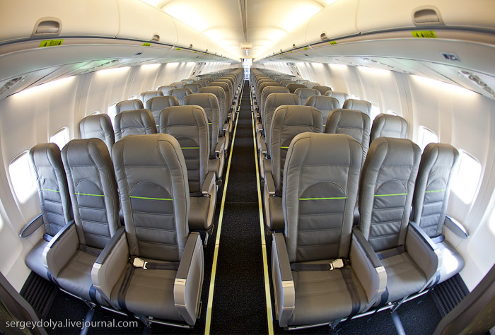 Салон эконом класса самолета Боинг-737-800 авиакомпании Глобус/S7 Airlines
