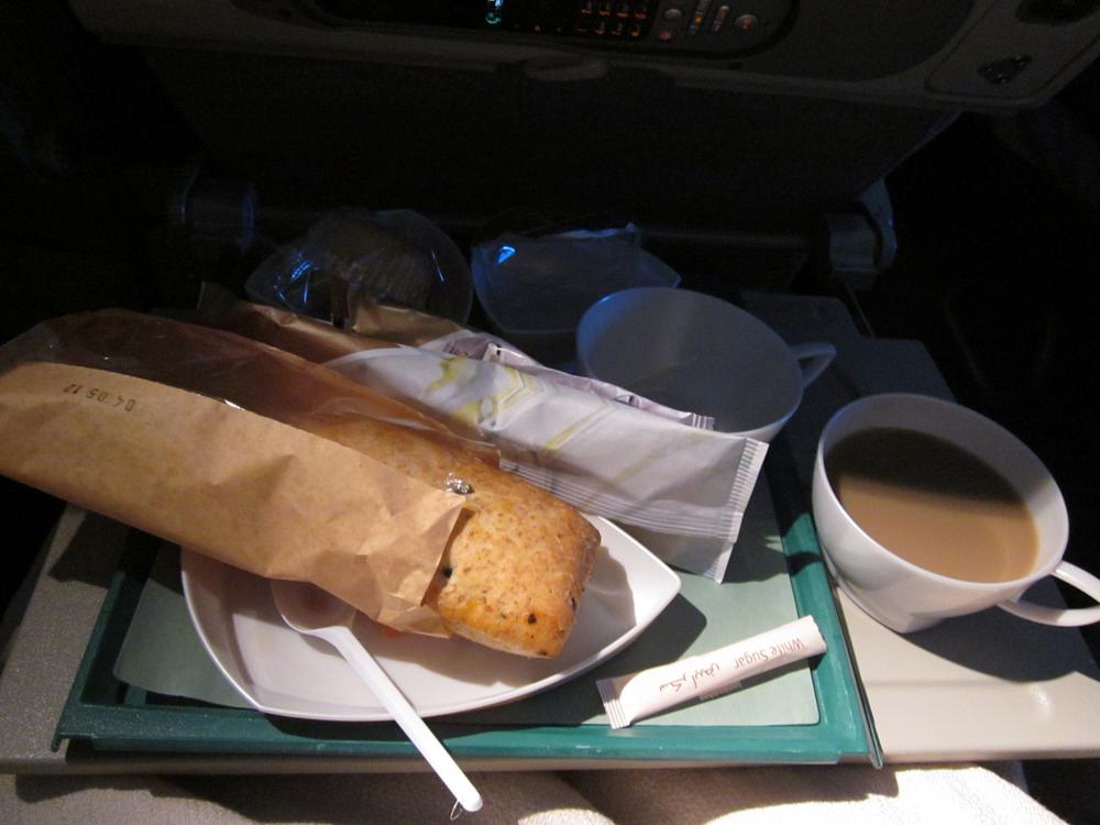 Питание на рейсе Дубай-Гонконг авиакомпании Emirates