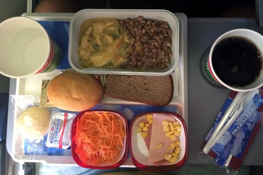 Бортовое питание на рейсе Трансаэро Энфида-Москва